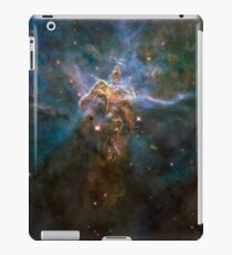 Hubble Space Telescope Print 0022 - Wide View of 'Mystic Mountain'  - hs-2010-13-e-full_jpg iPad-Hülle & Klebefolie