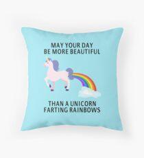 Möge dein Tag schöner sein als ein Einhorn Rainbows Dekokissen