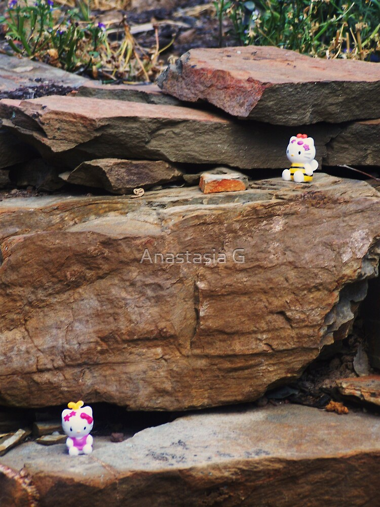 Cliffhanger - Daisy and Buzzer travel to the Outside by Anastasia G
