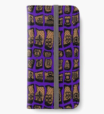 Ultra Violet COTY 2018 iPhone Wallet