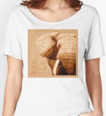 OM - Elefant -  brown Women's Relaxed Fit T-Shirt