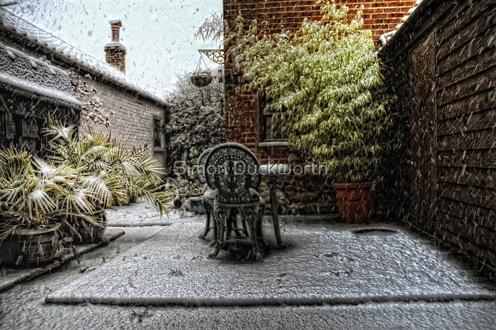 Its snowing by Simon Duckworth