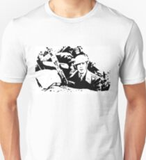 Parade's end - the trench T-Shirt