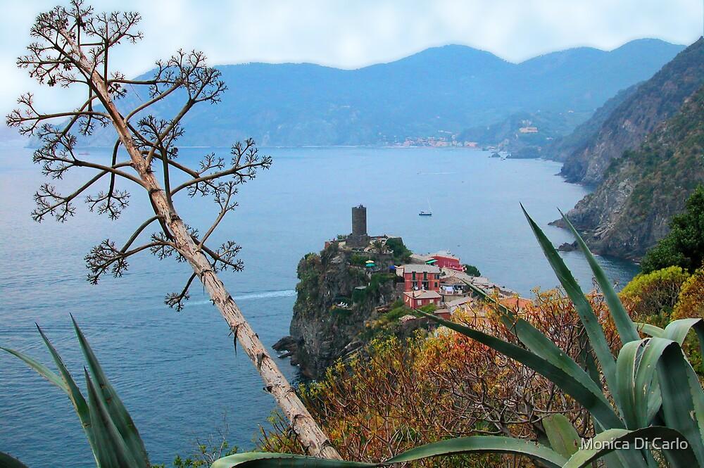 Land ans seascape, Cinque Terre by Monica Di Carlo