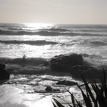 Ocean hitting rocks by spudbog