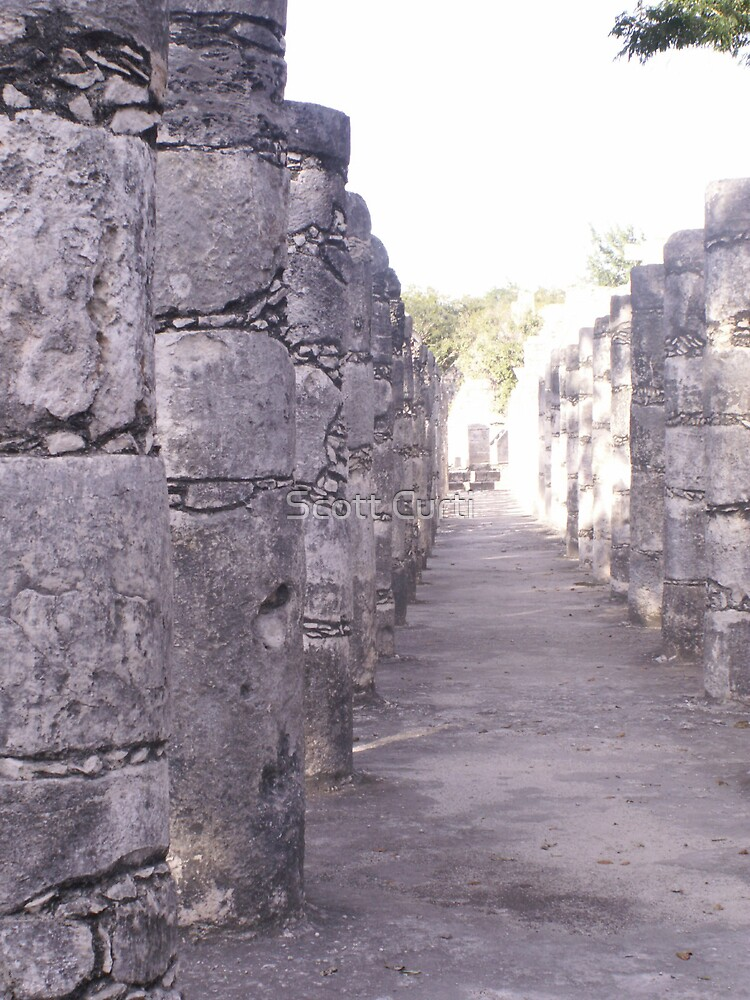 Columns in the Temple of Thousand Wariors by Scott Curti