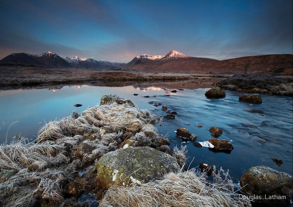 Lochan na stainge - Rannoch Moor by Douglas  Latham