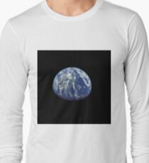 Earth that was taken from Apollo 15 on July 26, 1971 T-Shirt