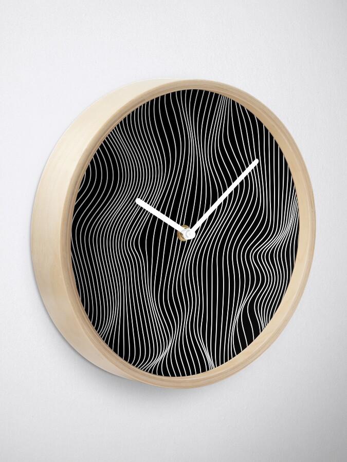 Alternate view of Optical Illusion Minimal Lines Clock