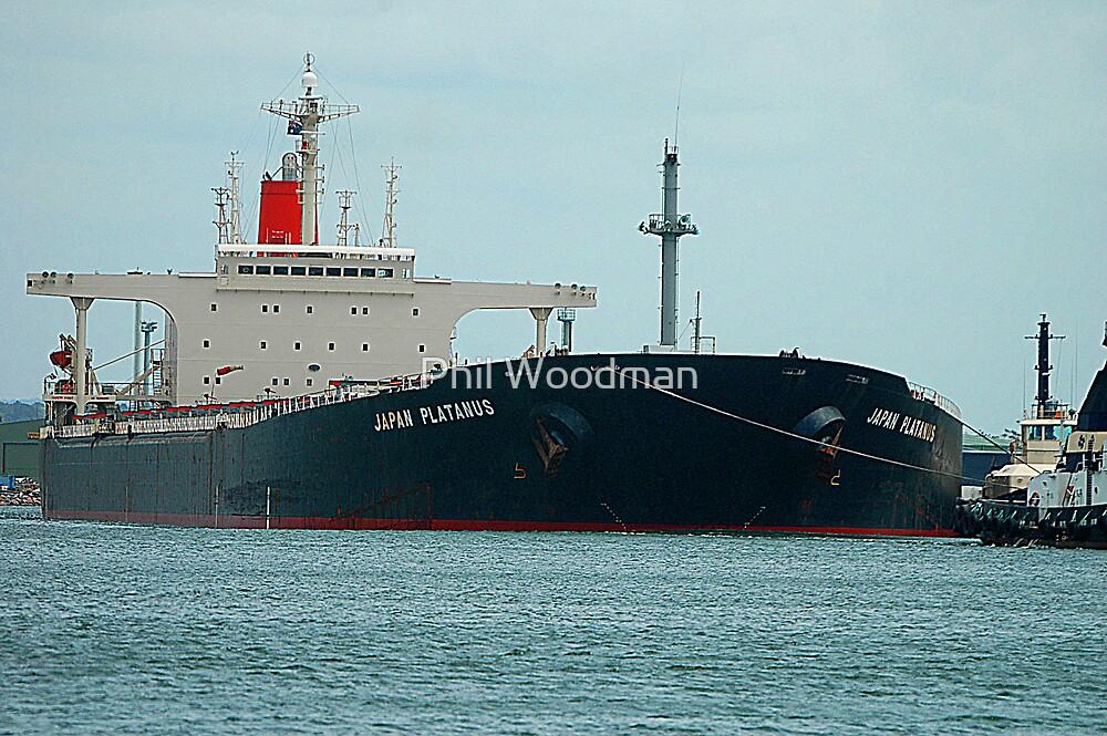 Coal ship Japan Platanus - Newcastle Harbour, NSW, Australia. by Phil Woodman