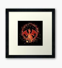 Charizard dragon de fuego Pokemon Framed Print