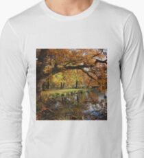Autumnal lake scene T-Shirt