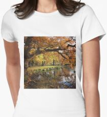 Autumnal lake scene T-Shirt