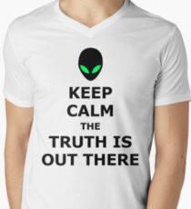 UFO Alien Keep Calm The Truth Is Out There Men's V-Neck T-Shirt
