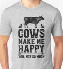 Kühe machen mich glücklich Sie nicht so viel Hemd Lustige Landwirtschafts-Bauernhof-Geschenk-T-Shirt für Landwirte oder Kuh-Liebhaber Slim Fit T-Shirt