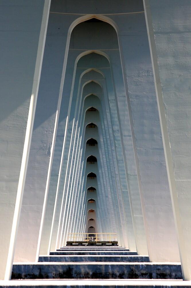 Under the bridge by noffi