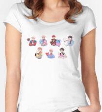 Camiseta entallada de cuello redondo BTS con sus amigos BT21 !!!