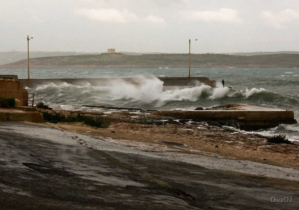 Stormy coast by DiveDJ