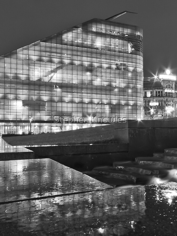 Rainy night in Manchester by stephenknowles