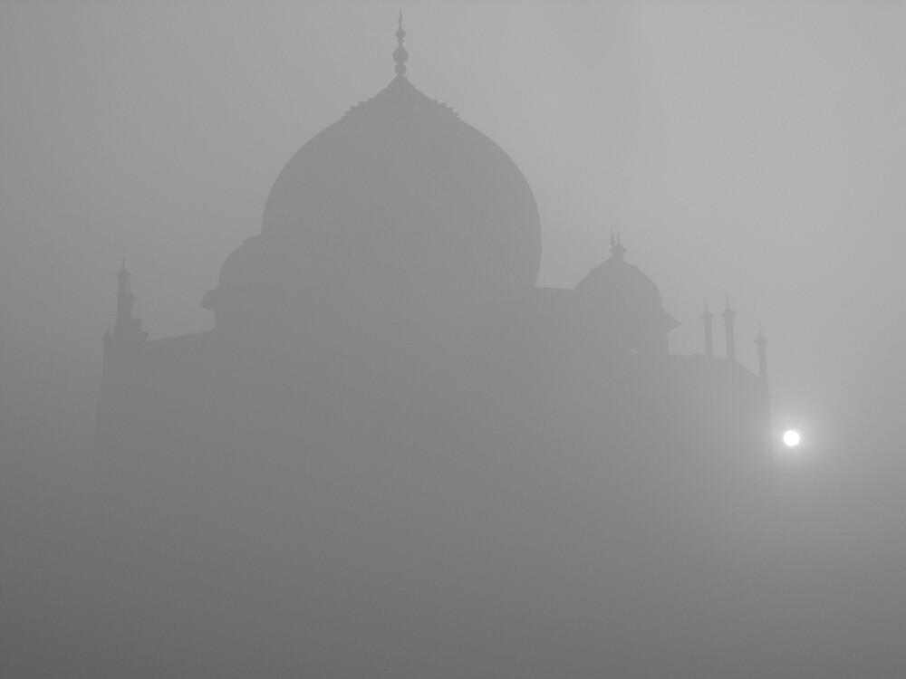 Taj misty sunrise by Jeff Barnard