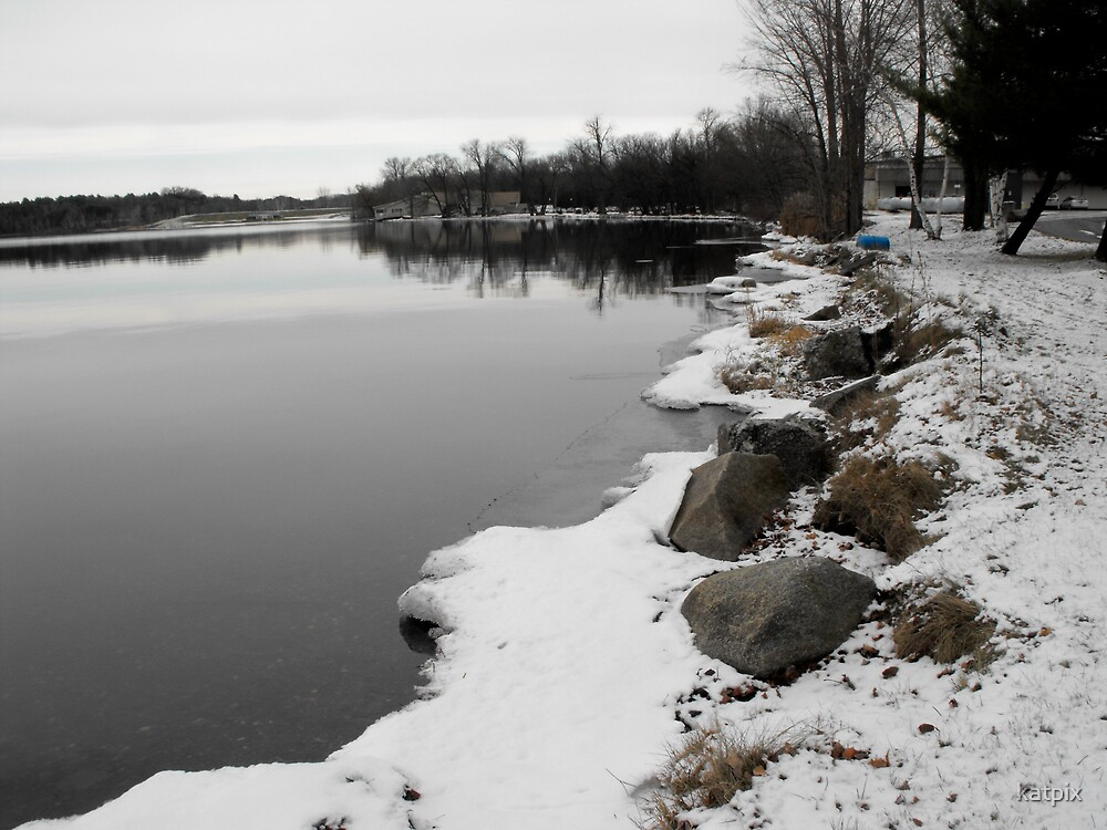 Snow by the Shore by katpix