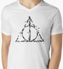 HP - Feathers only hallows - wand, cloak, stone T-Shirt