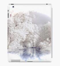 Vinilo o funda para iPad Escena del lago alpino de invierno