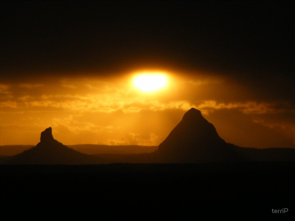 Sunset over the Glass House Mountains by terriP