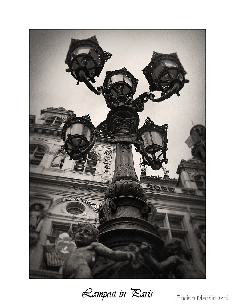 Lampost in Paris by Enrico Martinuzzi