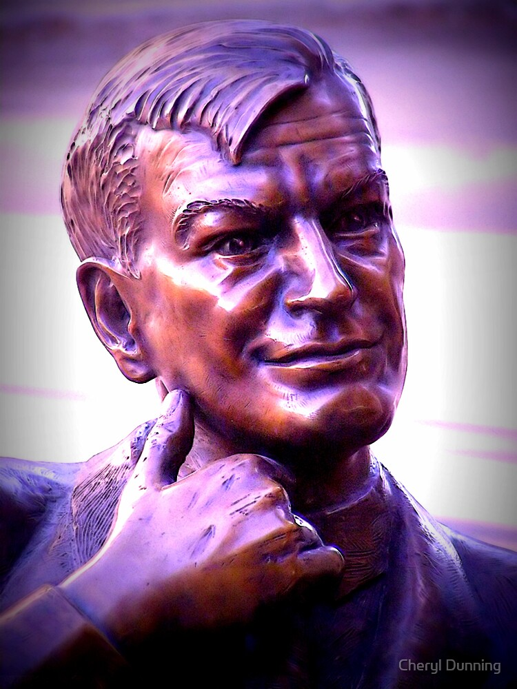 Tom Hendry Statue by Cheryl Dunning