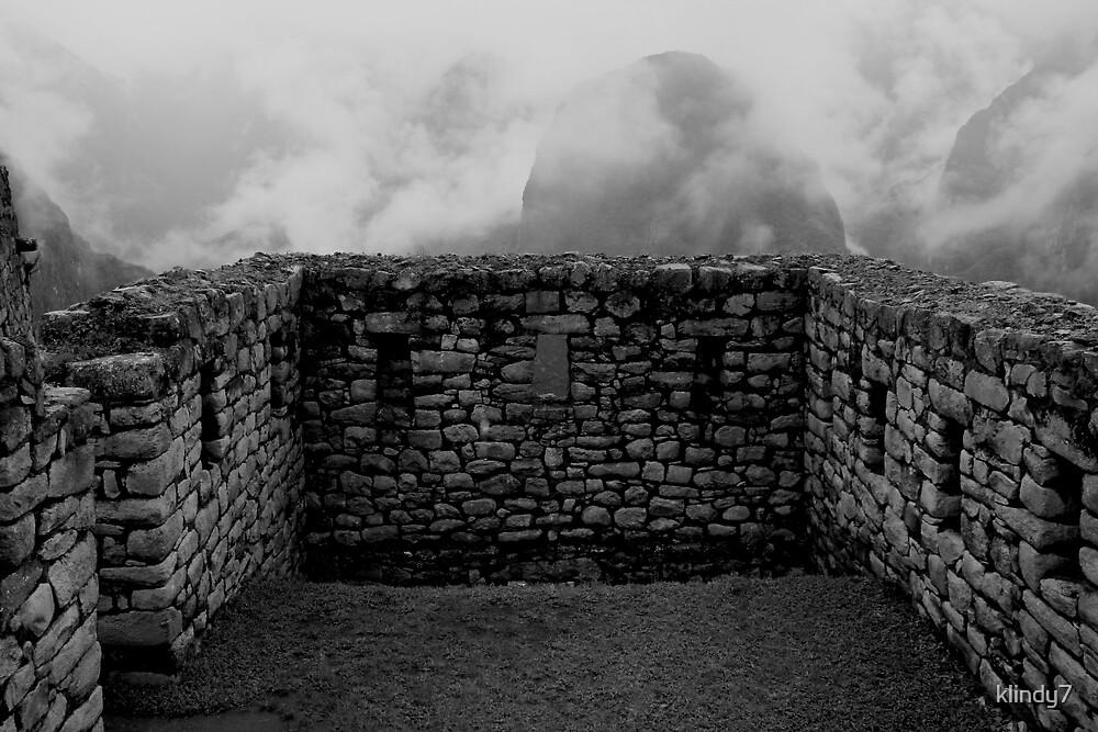 Wall in Machu Picchu by klindy7