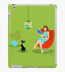 Retro Reading Woman  iPad Case/Skin