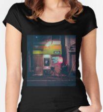 Tokios Ramen Tailliertes Rundhals-Shirt