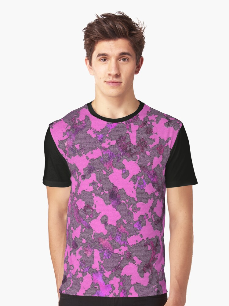 CAMOUFLAGE PINK Graphic T-Shirt Front