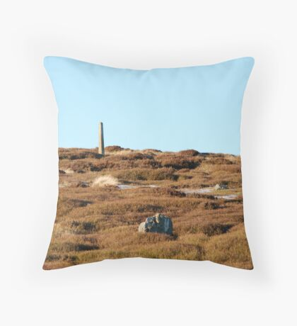 Lealhome Moor Throw Pillow