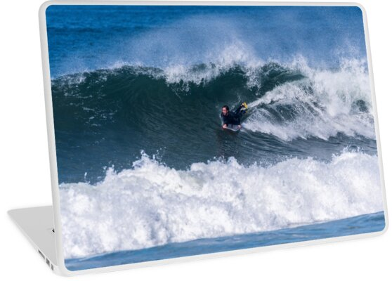 Bodyboarder in action by homydesign