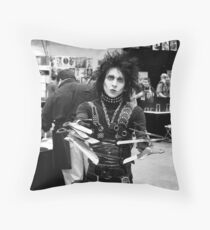comicon Edward Scissorhands  Throw Pillow