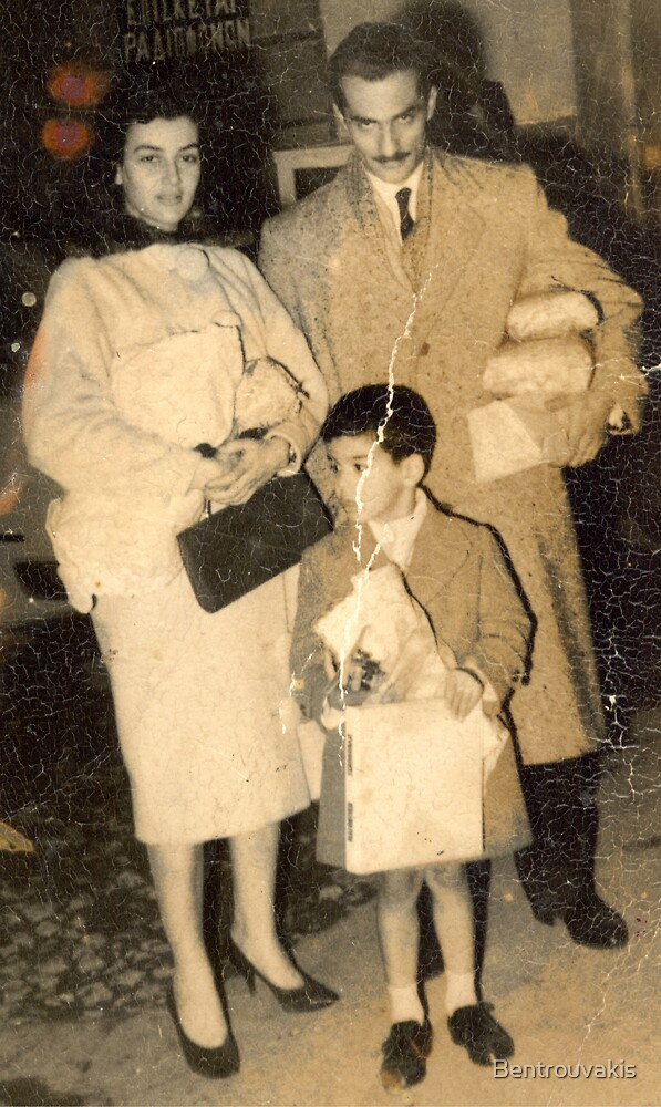 1958 Christmas Shopping by Bentrouvakis