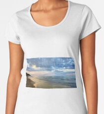 Port Douglas sunset Women's Premium T-Shirt