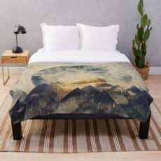 One mountain at a time Throw Blanket