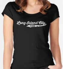 Long Island City Queens T-shirt : Retro Queens Vintage Distressed NYC Tee  Women's Fitted Scoop T-Shirt