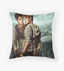 Newt X Thomas - Maze Runner Throw Pillow