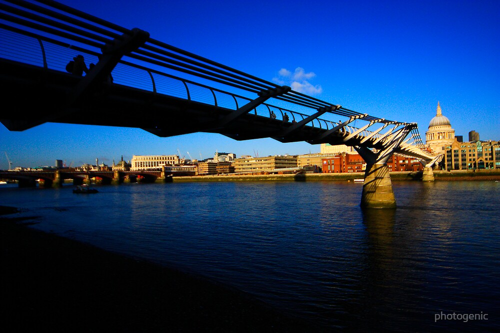 chasing the light 3 - millenium bridge and st. Paul's cathedral by photogenic