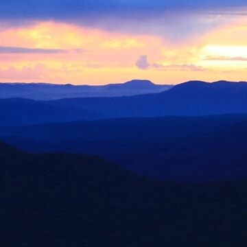 Blue Mountains sunset by timoss