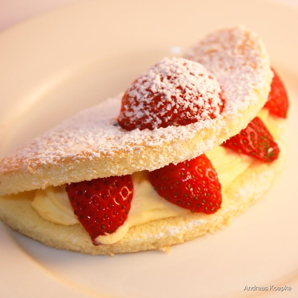 Strawberry sponge cake by Andreas Koepke