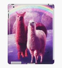 Verrücktes lustiges Regenbogen-Lama im Raum iPad-Hülle & Klebefolie