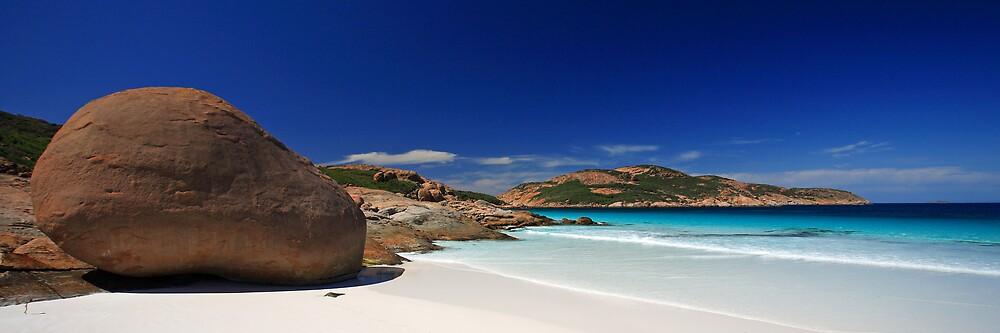 Lucky Bay, WA by Michael Bates