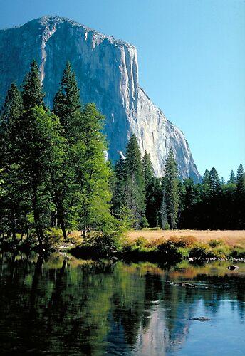 Yosemite Valley by blakbear97