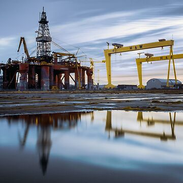 Harland and Wolff with oil rig by cmphotographs