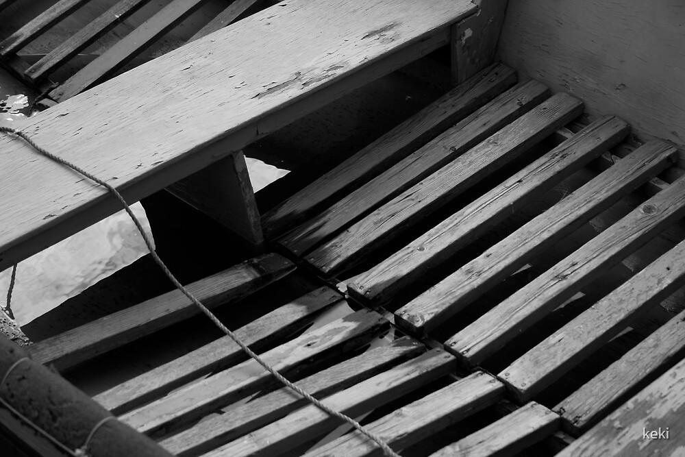 Old broken boat by keki